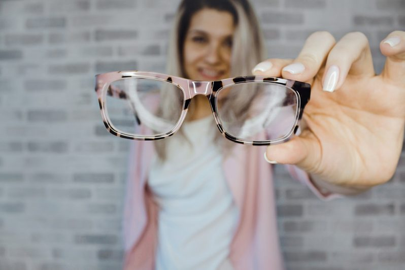"Apollo-Optik uses a serious game to put on the ""leader glasses"""